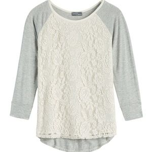 Market and Spruce lace overlay raglan top